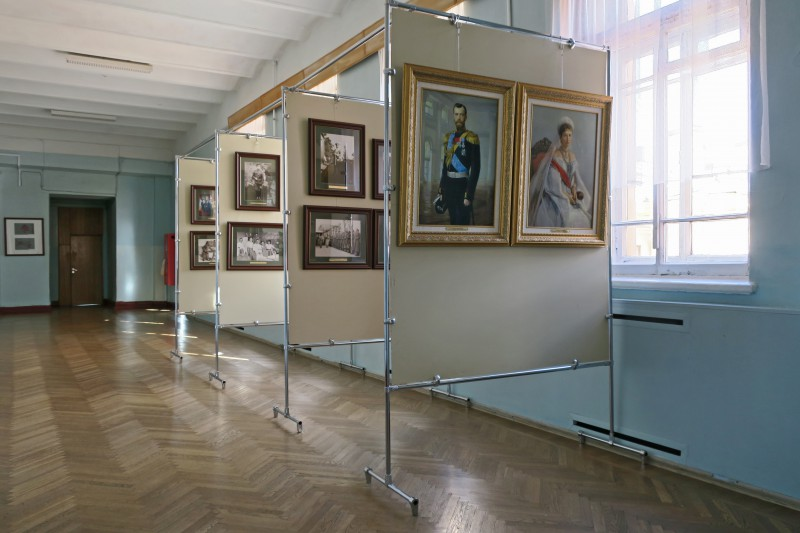 Гимназия 155. Фотовыставка, посвященная семье Николая II